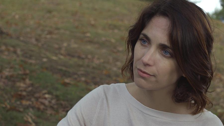 Late Shift (2020). Film still, featuring Helen Hood as Liz, Emma's sister.